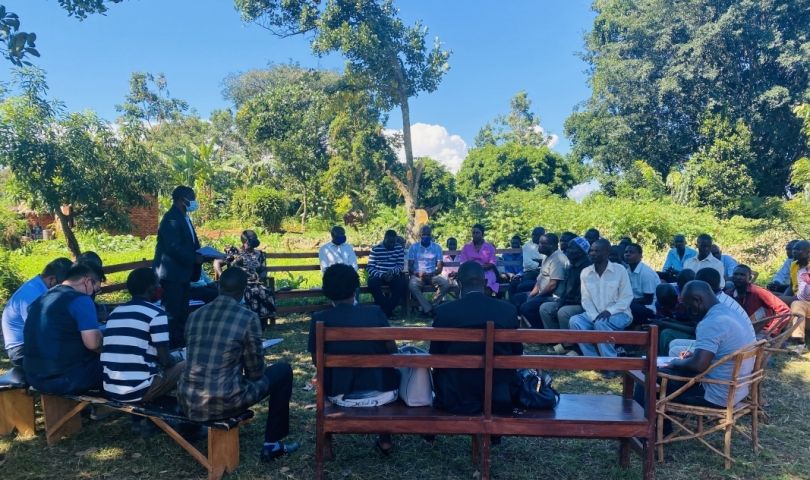 Site meeting with community